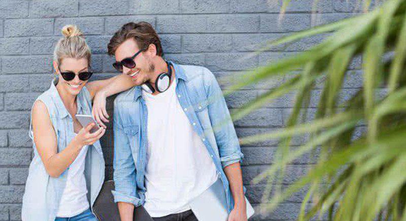 ۱۵ راه افزایش اعتماد به نفس زنان مقابل مردان در رابطه عاطفی