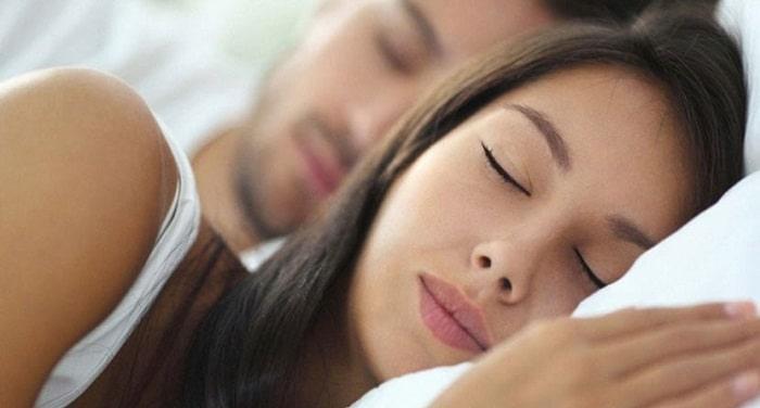بهبود خواب شبانه ازفواید رابطه جنسی با همسر بر سلامت روحی و رابطه زن و شوهر