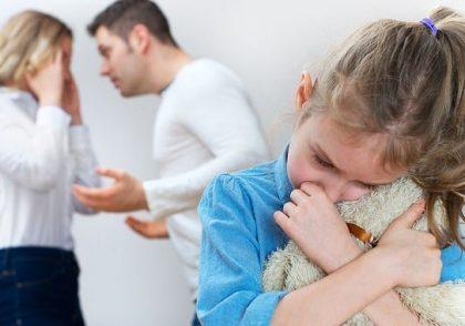 بهترین و بدترین سن فرزند برای طلاق والدین (سن حساس بچه در طلاق)