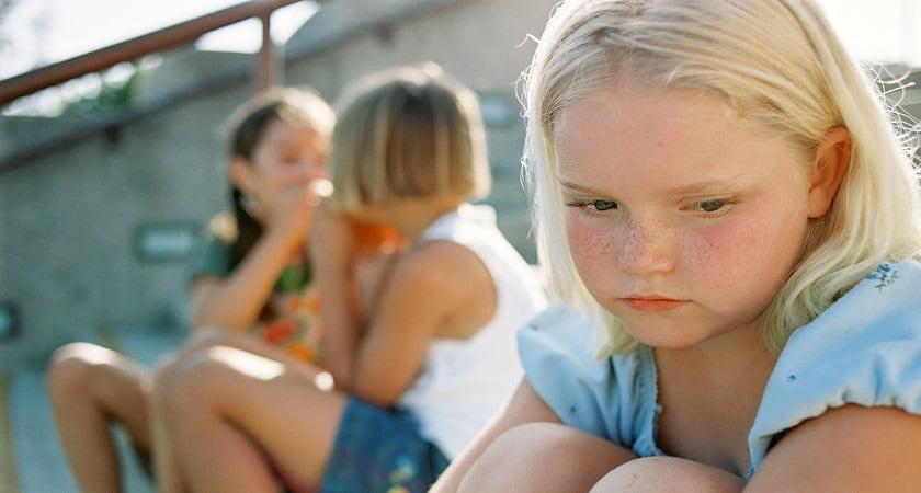 برچسب با ادب بودن در کودکی از دلایل خجالتی بودن